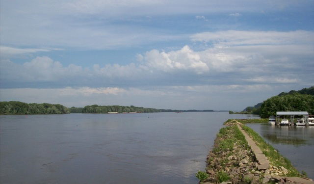 The Mississippi River at Hannibal, MO. Photo credit: Cynthia Collins. All rights reserved.