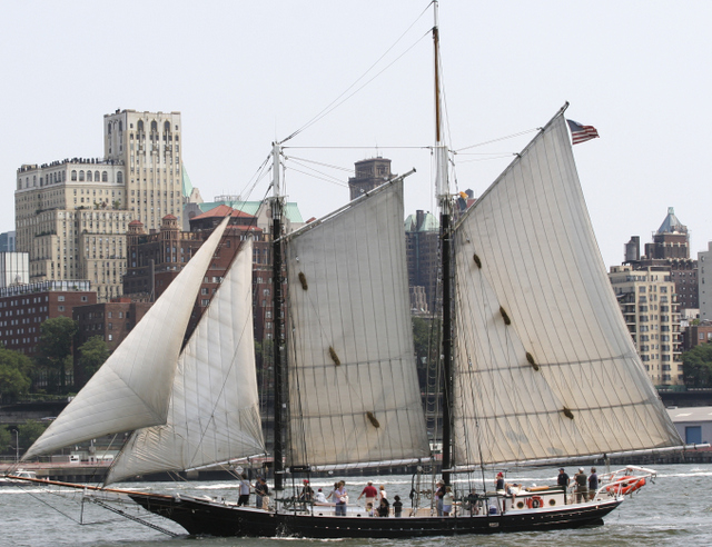 The 1885 schooner Pioneer of the South Street Seaport Museum. Image courtesy of Waterfront Alliance, used with permission. All rights reserved.